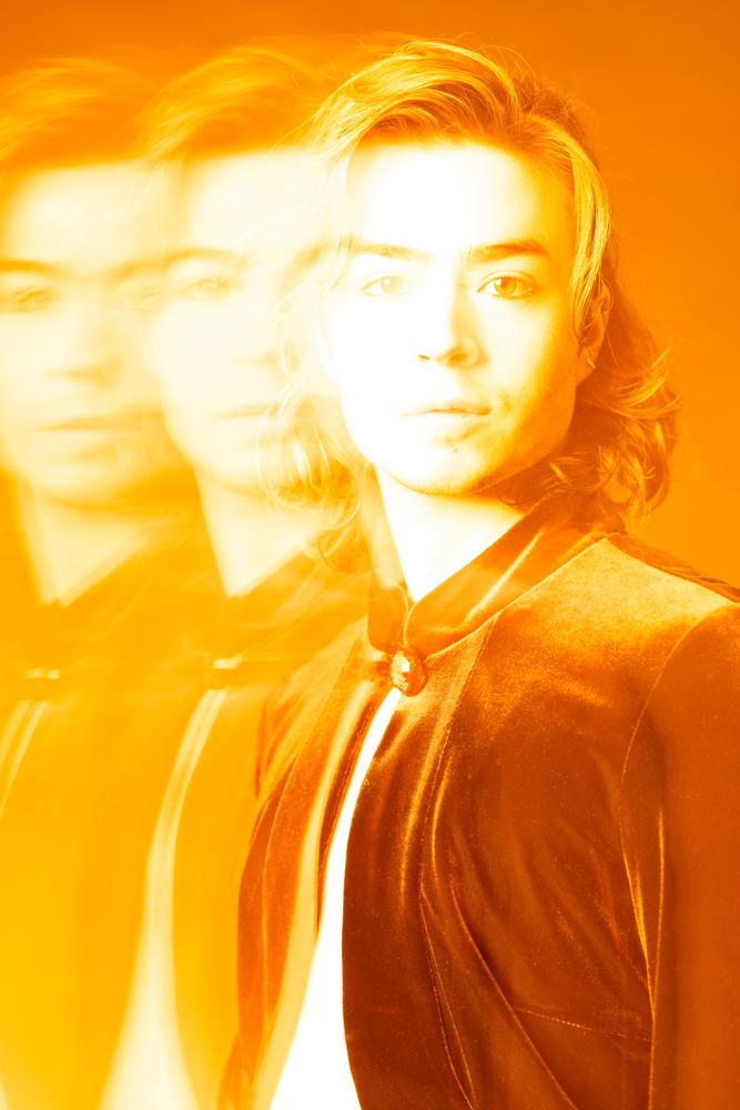 Orange monochrome spiritual photography Skip Ros - Ruud van Ooij Amsterdam photography