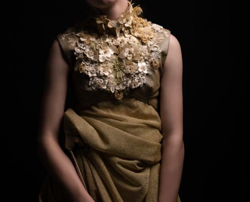 Golden dress dark photography - Fashion editorial Ruud van Ooij