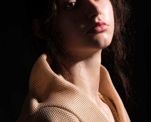 Golden kimono dark photography - Fashion editorial Ruud van Ooij