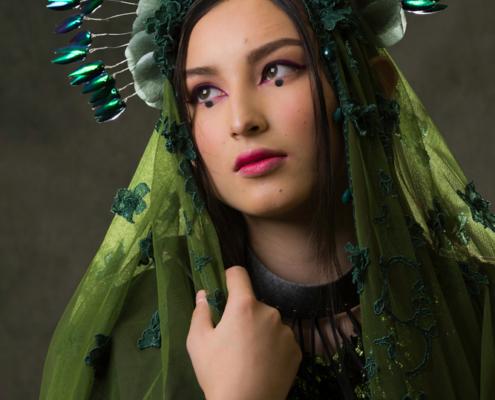 Green veil with beetle wing halo portrait - Fashion editorial Ruud van Ooij
