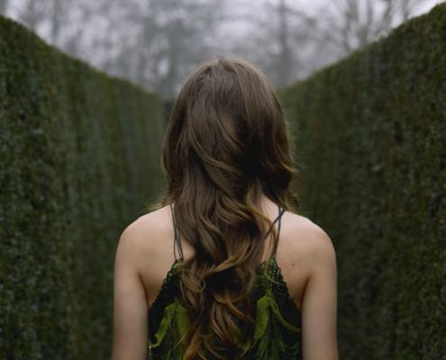 Green dress in maze by Haruco-vert - Fashion photo Ruud van Ooij