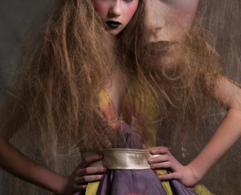 Doll make up purple dress - Fashion photography Amsterdam Ruud van Ooij
