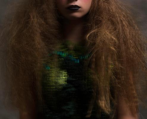 Doll make up green dress - Fashion photography Amsterdam Ruud van Ooij